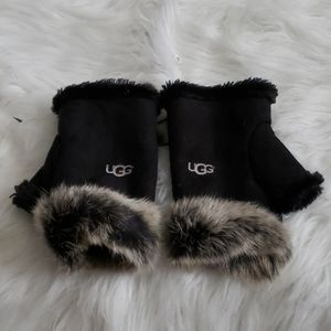 UGG- Fingerless gloves